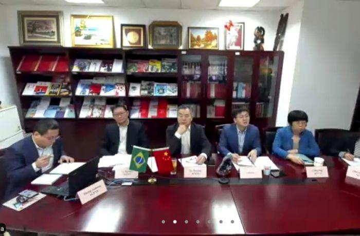 Centrais conseguem apoio do movimento sindical da China para vacina